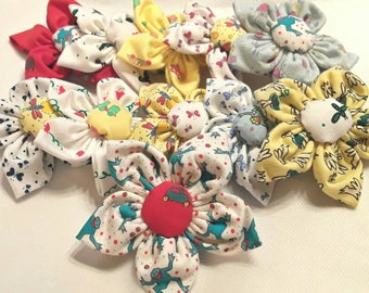 Naj-oleari vintage fabric flower pin
