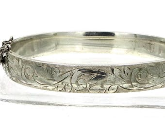 Charles S. Green & Co. English Sterling Acanthus Leaf Chased Bangle
