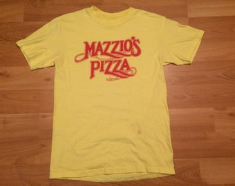 Medium 80's Mazzio's Pizza vintage men's T shirt yellow red pizzeria slice pie 1980's Hanes restaurant