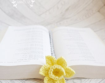 Handmade crochet bookmark, daffodil, beautiful, flowery, gift, books, cotton, bookworm, literary, yellow, Wales, welsh