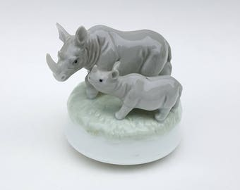 "Otagiri Music Box Rhinos Plays ""You've got a friend"""