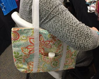 Tote bag in a flower print