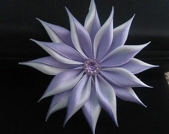 Bar flower purple and white/kanzashi/Fleur kanzashi/Ribbon satin hair clip