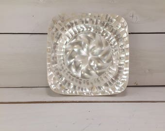 Ivory Mother of Pearl Hand-made Small Decorative Plate