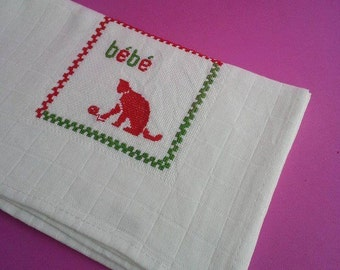 Baby boy/girl burp cloth, 100%Cotton, Traditional Portuguese Diaper, Shower Gift, needlework, red cat diaper, stroller blanket,carriage cove