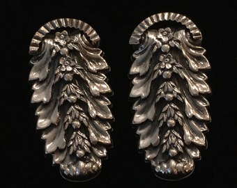 Highly Detailed Evergreen/Floral Bough Clip-on Earrings