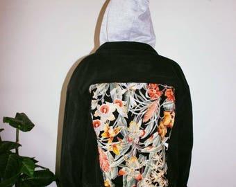 Vintage floral backpatch hooded denim jacket.