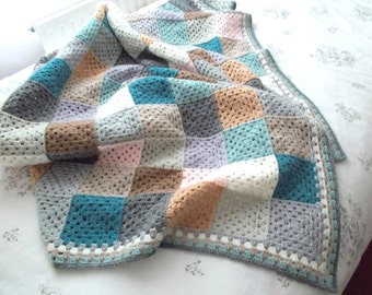 Crochet Blanket - Granny Square Blanket - 130 x 150cm