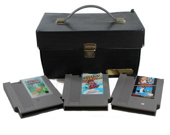 Nintendo storage case + 3 games • vintage NES game cartridge travel carrying case • retro 80s 90s gaming gift • holds 10 NES video games