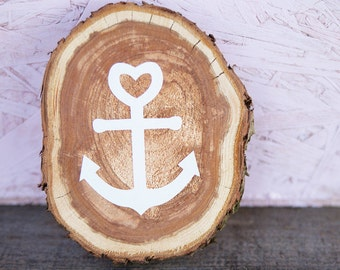 Tree disc with white anchor