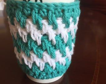 Holiday colors cup cozy. Crochet cup cozy