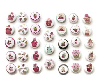 34 Cupcake Buttons / Cake Buttons/ 15mm Round Wooden Buttons / Sewing ~ Scrapbooking ~ Jewelry ~ DIY Crafts ~ Embellishments ~ Cabochons