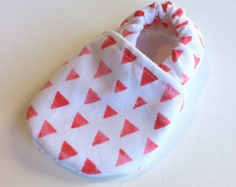Triangle baby shoes, summer baby slippers, toddler slippers, baby booties, patterned  baby slippers, baby girl shoes, baby boy shoes