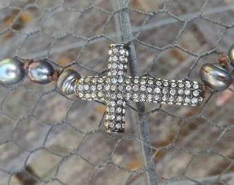 Bracelet Cross strass gunmetal and real black pearls of fresh water, boho hippy shabby chic