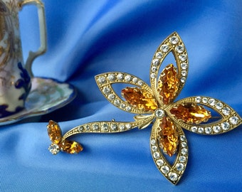 SALE Vintage Rhinestone Flower Brooch, Vintage Flower Brooch, Rhinestone Brooch, Vintage Pin, Flower Pin
