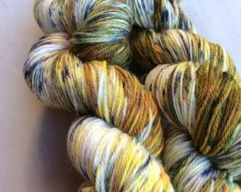 Fallish Hand Painted, handpainted yarn, hand dyed yarn, merino, sockyarn, speckled, yarn, 4ply, 100g, 450m 100% Superwashed Merino