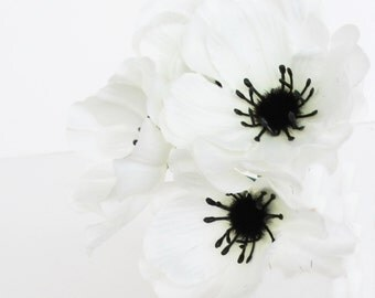 """Anemones 35 Artificial Poppy Anemone Silk Flowers White Black center 2.4"""" Floral Hair Accessories Flower Supplies Faux Fabric"""