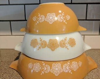 Vintage Pyrex 1970's Gold and White Cinderella Mixing Bowels/Casserole Dishes
