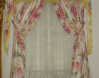Drapes with Classic Cabbage Rose Print