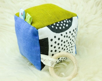 Organic Baby Activity Soft Rattle Cube Soft block Minky Baby toy Natural Linen Organic Baby shower Toddler Nursery Teething ring Teether