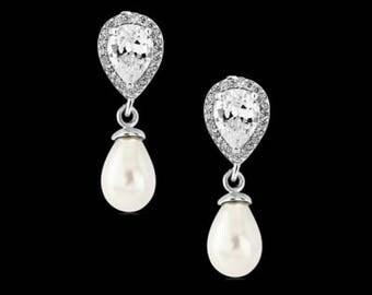 Pretty Pearl & Crystal Drop Earrings