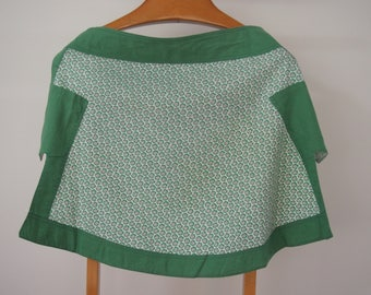 Vintage Green Patterned Half Apron with Green Border - Cute Double Pockets