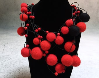 Beads made of wool and natural stone.