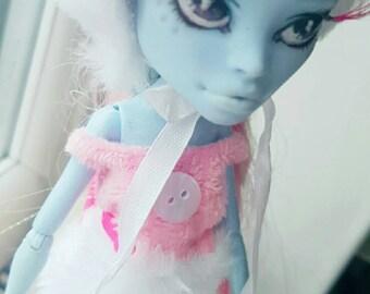 OOAK Repaint Winter Themed Monster High