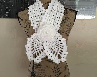 Crochet Pineapple Keyhole Scarf