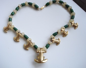 Vintage frog necklace with chunky frogs