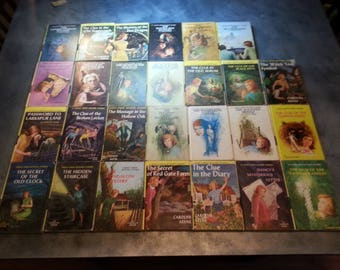Vintage Nancy Drew Hard Cover Books 27 Volumes   Free Shipping in Canada