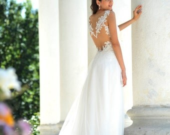 Wedding Dress/Lace Backless A-Line Bridal Dress
