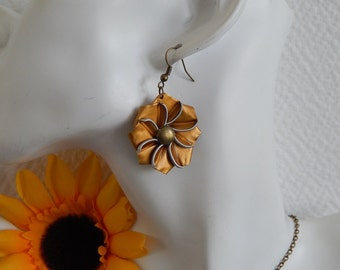 Earrings with Golden form capsules Edelweiss