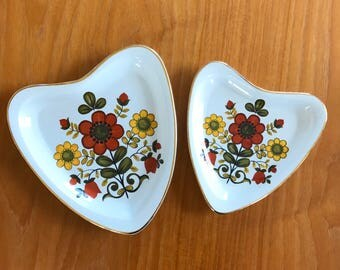 Set of 2 Vintage Heart Shaped Decorative Plates
