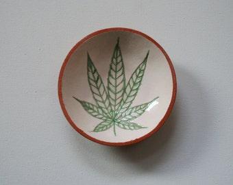 Ceramic plate. handmade. Сannabis Leaf. Cannabis Gift. Cannabis ceramics. Ceramic plate with leaf of marihuana.