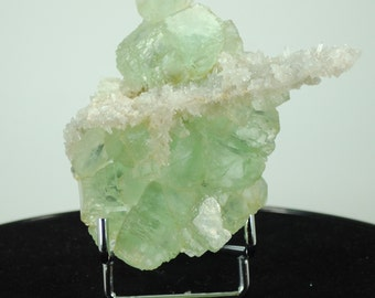 Green fluorite with quartz, 90x90mm, 180gm