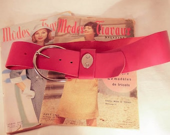 Beautiful vintage pink fuchsia leather belt