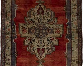 "5'5"" x 9'10"" Semi-Antique Turkish Anatolian Rug"