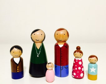 Personalised Peg Doll Family - Wooden Peg Dolls - Family Portrait - Peg Doll Set - Customised Pegs - Homemade - Handpainted - Mothers Day