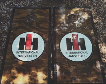 International Harvester Cornhole Set With Bags