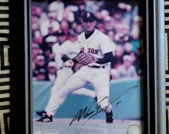 MLB Autograph - Nomar Garciaparra