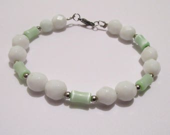 Sea Green Cats Eye and White Glass Bracelet