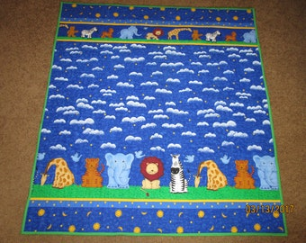 Zoo animals baby quilt.