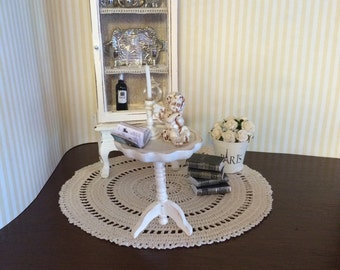 1:12 scale, white round table for Dollhouse, miniature