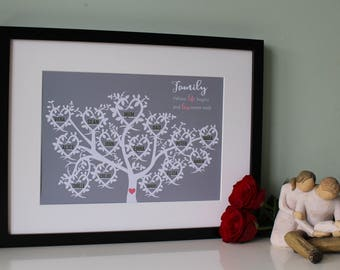 Personalised hearts family tree - 4 - 16 names