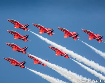 Red Arrows-FREE POSTAGE-aviation photography-framed aircraft print- aviation art-RAF aerobatic team -gifts for men