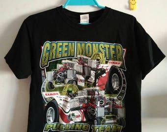 GREEN MONSTER Pulling Team T-shirt -
