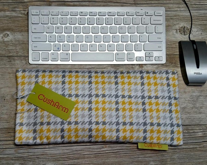 Houndstooth Yellow CushArm Wrist,Arm, Elbow Support