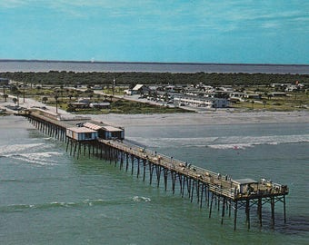 Cocoa Beach, Florida Vintage Postcard - Canaveral Pier the Grandstand Seat for Cape Kennedy