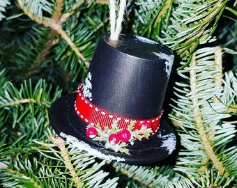 Top hat ornament